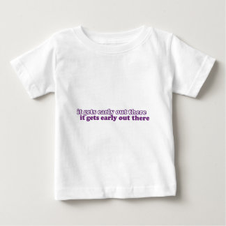 早く得ること ベビーTシャツ