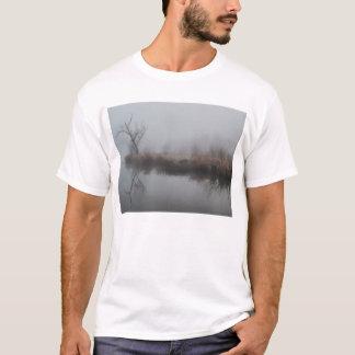 早朝の霧 Tシャツ