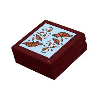 (昆虫)オオカバマダラ、モナークのメドレーのギフト用の箱(淡いブルーの) ギフトボックス