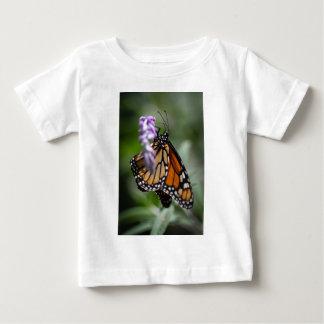(昆虫)オオカバマダラ、モナークのDanaus Plexippus ベビーTシャツ