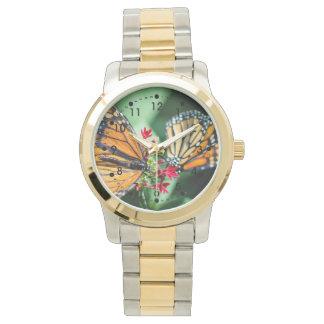 (昆虫)オオカバマダラ、モナークのDanaus Plexippus 腕時計