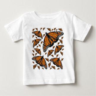 (昆虫)オオカバマダラ、モナーク雨 ベビーTシャツ