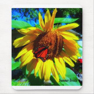 (昆虫)オオカバマダラ、モナークsunflower2の夏の微風 マウスパッド