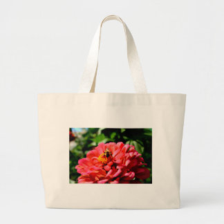 《昆虫》マルハナバチとの珊瑚の《植物》百日草 ラージトートバッグ