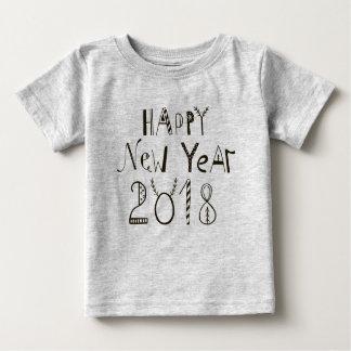 明けましておめでとうの2018年のベビーのティー ベビーTシャツ