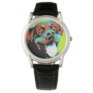 明るいおよびおもしろいのロットワイラーのポートレート 腕時計