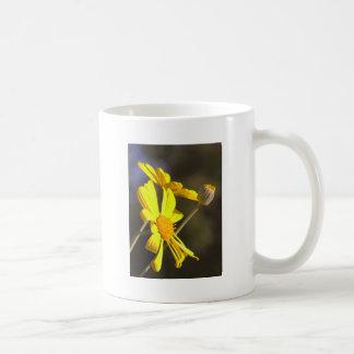 明るいデイジー コーヒーマグカップ