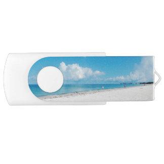 明るいビーチ USBフラッシュドライブ
