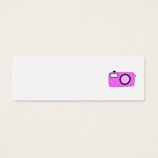 明るいピンクのカメラ。 白 スキニー名刺