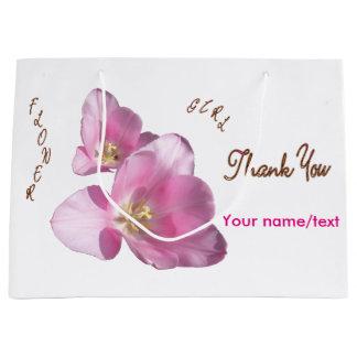 明るいピンクのチューリップのフラワー・ガールはギフトバッグ感謝していしています ラージペーパーバッグ