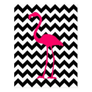 明るいピンクのフラミンゴの白黒ジグザグ形 ポストカード