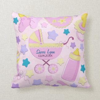 明るいピンクの星およびキャリッジ記念品の枕 クッション