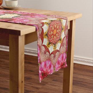 明るいピンクの赤いバラの抽象芸術 ショートテーブルランナー