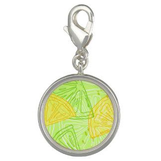 明るいライムグリーンの柑橘類レモンパターン チャーム