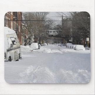 明るい冬の住宅の都市(都市)通り マウスパッド
