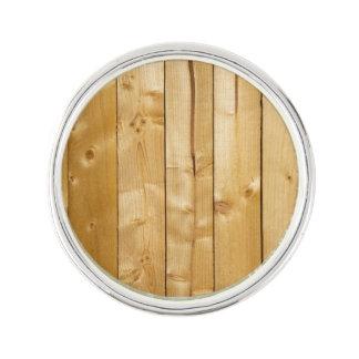 明るい木製の背景 ラペルピン