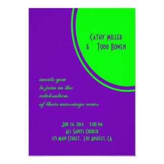 明るい紫色の緑のモダンな円の結婚式 11.4 X 15.9 インビテーションカード