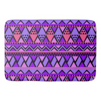 明るい紫色の青い三角形の幾何学的なパターン バスマット