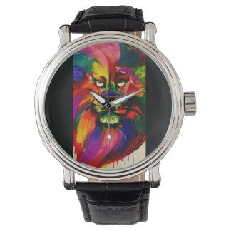 明るい色のオスのライオンの手塗りの入れ墨インク 腕時計