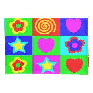 明るい色の子供の部屋 枕カバー