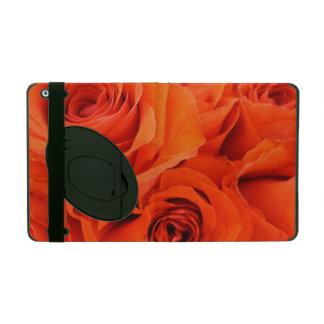明るい赤いバラのバラの花束の赤いバラの背景 iPad ケース