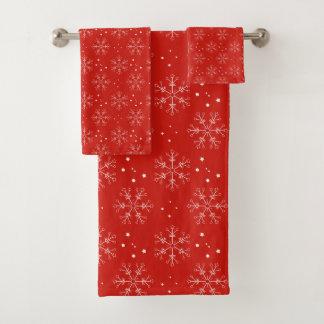 明るい赤のクリスマスの雪片 バスタオルセット