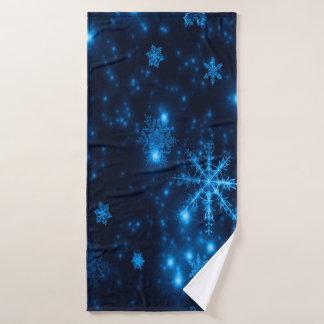 明るい雪片のBathタオルが付いている深い青 バスタオル