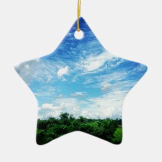 明るい青空(自然および景色) セラミックオーナメント
