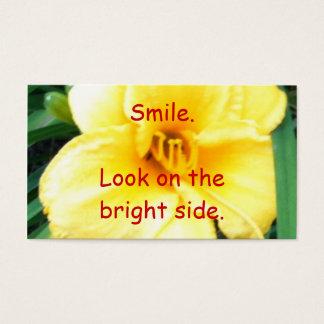明るい面のスマイルの一見、黄色い花カード 名刺