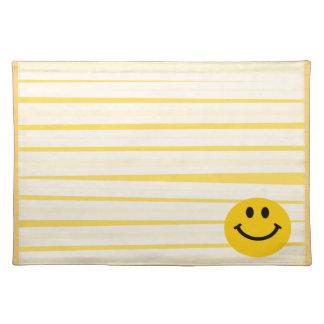 明るい黄色のストライブ柄のスマイリーフェイス ランチョンマット