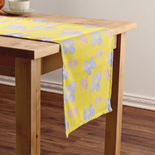 明るい黄色のピンクの青い花 ショートテーブルランナー