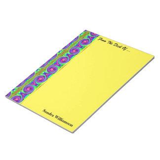 明るく多彩な渦巻パターン ノートパッド