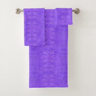 明るく快活な紫色のソーダ飲み物の気泡緩衝材 バスタオルセット