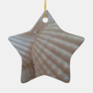 明るく白い貝殻、海の貝のビーチの夏愛 セラミックオーナメント