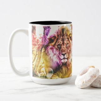 明るく着色された2つの調子のライオンのマグ ツートーンマグカップ