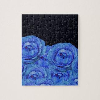 明るく青いバラの黒い背景 パズル