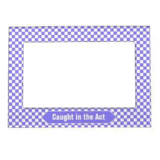 明るく青および白いチェック模様のカスタムな写真 マグネットフレーム