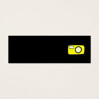 明るく黄色いカメラ。 黒 スキニー名刺