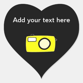 明るく黄色いカメラ。 黒 ハートシール