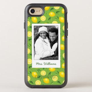 明るく黄色いレモンパターン|はあなたの写真を加えます オッターボックスシンメトリーiPhone 8/7 ケース