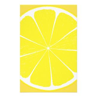 明るく黄色いレモン柑橘類の切れ 便箋