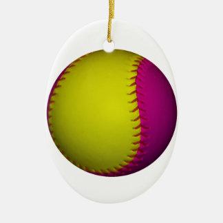 明るく黄色く、ピンクのソフトボール セラミックオーナメント