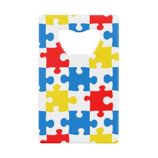 明るく、カラフルなパズルはパターンを継ぎ合わせます クレジットカード ボトルオープナー