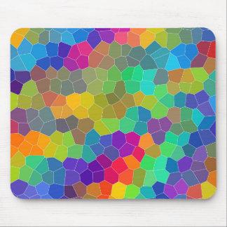 明るく、カラフルな多角形のモザイク模様 マウスパッド