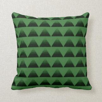 明暗中間部の三角形の緑 クッション