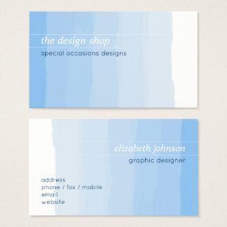明白でエレガントでシンプルで青い水彩画のパステル 名刺
