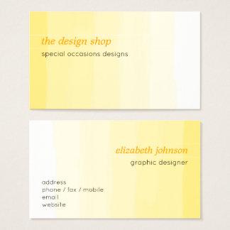 明白でエレガントでシンプルで黄色い水彩画のパステル 名刺