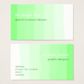 明白でエレガントでシンプルな緑の水彩画のパステル 名刺