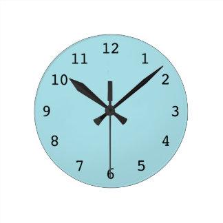 明白な淡いブルーの時計 ラウンド壁時計