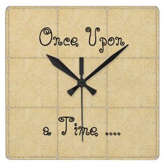 昔々魔法のシックな柱時計! スクエア壁時計